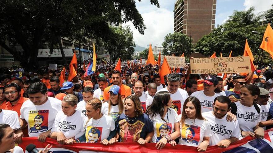 La esposa de López pide a los países de la OEA que protejan y ayuden a Venezuela
