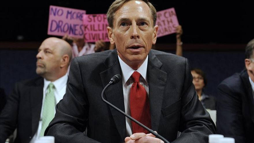 Petraeus ficha por una firma de inversiones como experto en mercados emergentes