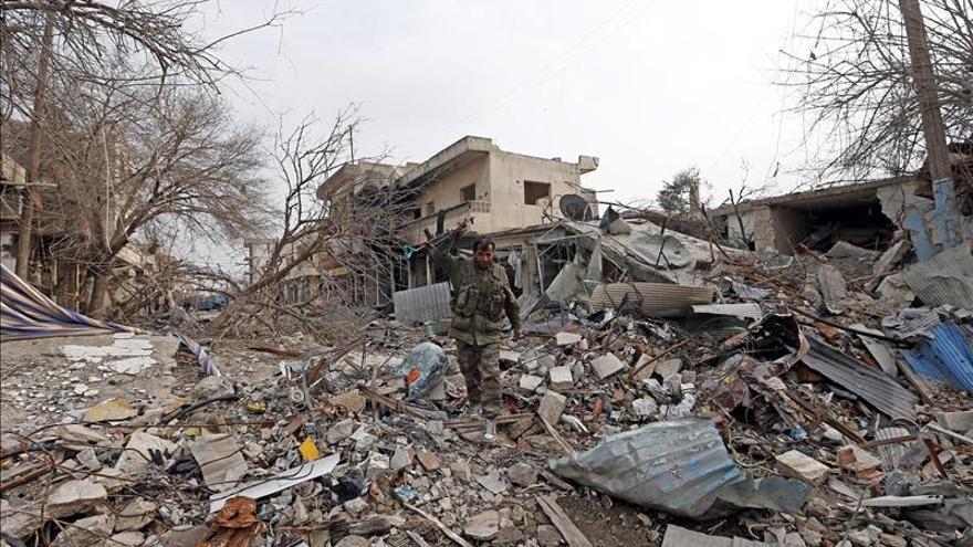 Al menos 16 miembros de las fuerzas kurdas mueren en ataque del EI en Siria