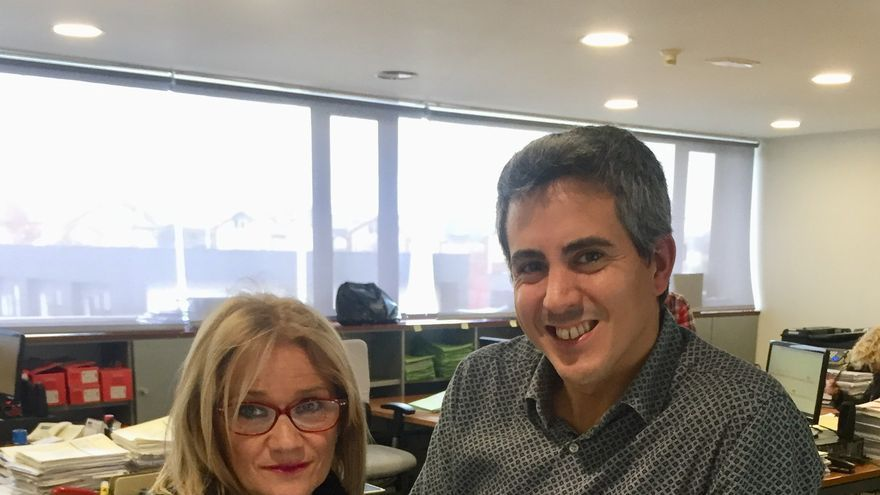 El alcalde de Bezana, Pablo Zuloaga, y la concejala de Economía, Milagros Bárcena.