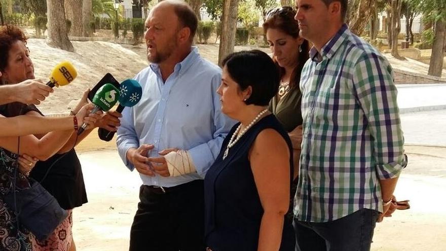 """Pradas dice que el PSOE """"no tiene nada que ver"""" con """"juegos florales"""" de PP y C's para un acuerdo """"adoptado de antemano"""""""