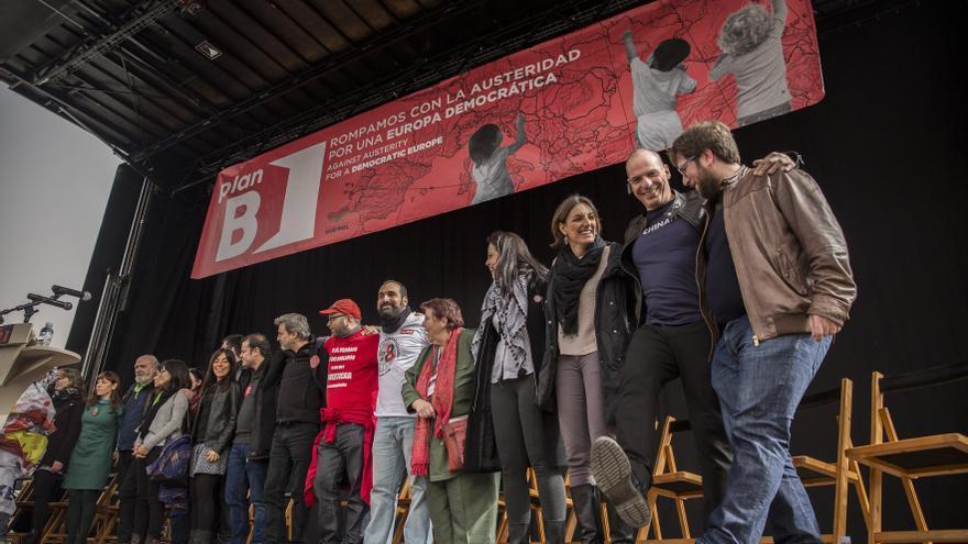 Los participantes en el mitin de clausura de los actos del Plan B celebrado este febrero en Madrid.