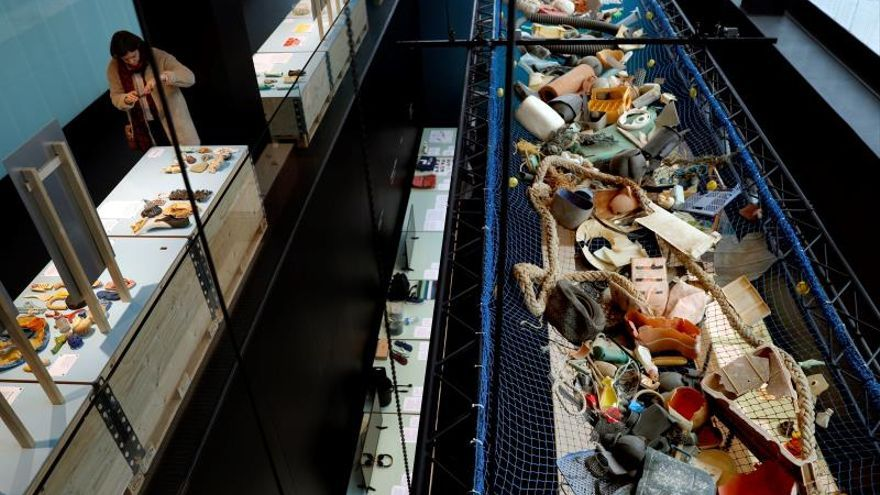 Between eight and twelve million tons of plastic collapse every year the sea