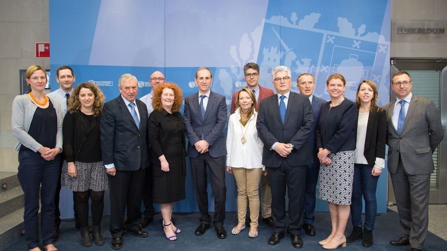 Representantes del Gobierno de Gales visitan Euskadi para conocer su régimen tributario y financiero