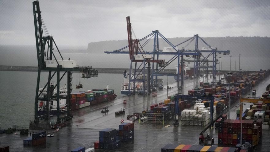 Archivo - El Puerto de Bilbao, en Bilbao, País Vasco (España), a 2 de enero de 2021.