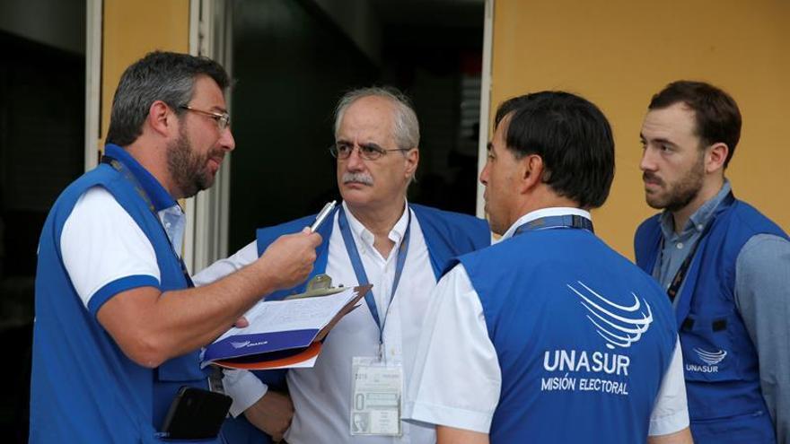 La renuncia de 3.000 técnicos electorales retrasa los comicios en Rep. Dominicana