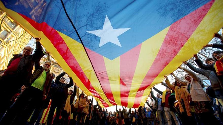 La mayoría de los españoles optan por el diálogo en el conflicto catalán