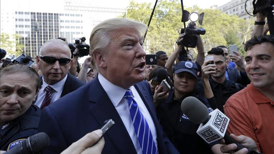 Trump propone a la CNN donar lo que recaude por el debate republicano