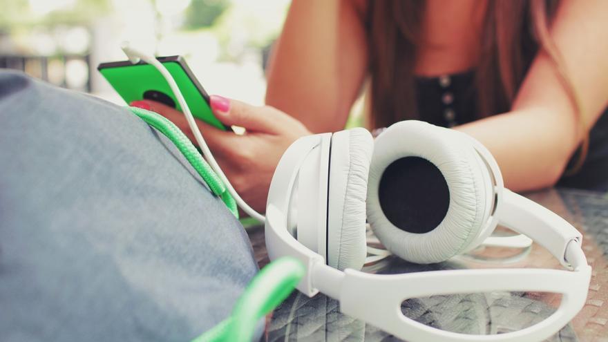 En Spotify hay 'bots' que imitan el comportamiento de los humanos y generan escuchas falsas