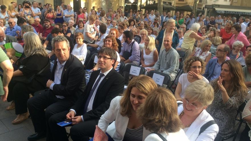 """Puigdemont pide """"no distraerse con proceso administrativos"""" y asegura que el 1-O habrá urnas"""