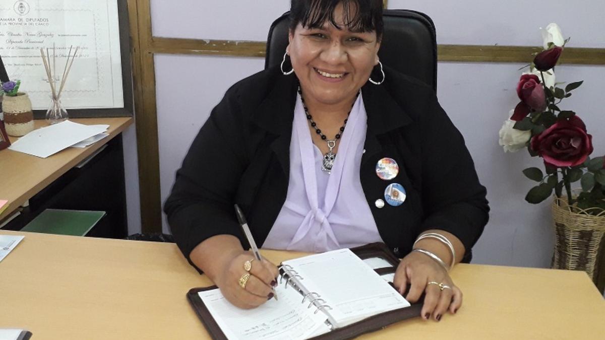 Claudia González.