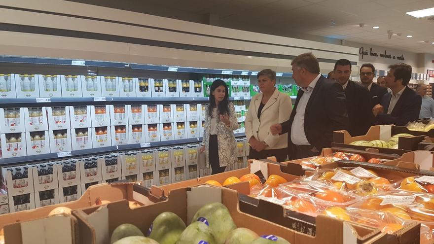 Acto institucional en el supermercado Lidl de Los Llanos.