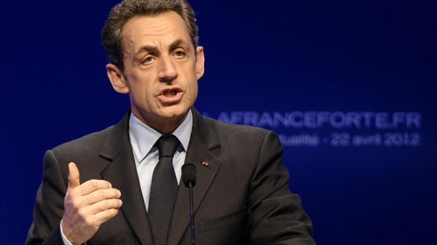 """""""El porvenir está en la apertura y no en el repliegue"""", dice Sarkozy"""