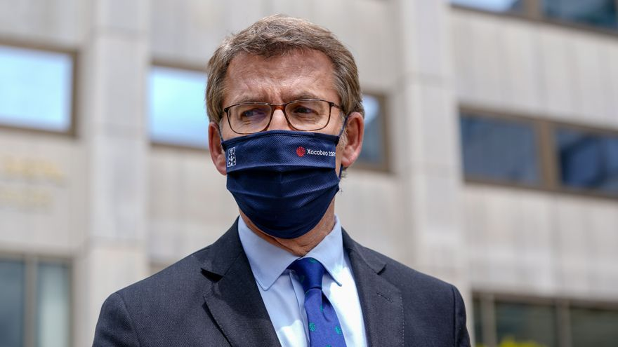 El presidente de la Xunta de Galicia, Alberto Núñez Feijóo, tras una reunión con la ministra de Economía en la sede del Ministerio, a 30 de abril de 2021, en Madrid (España). Esta reunión pretende abordar la crisis que viven varias industrias gallegas, as
