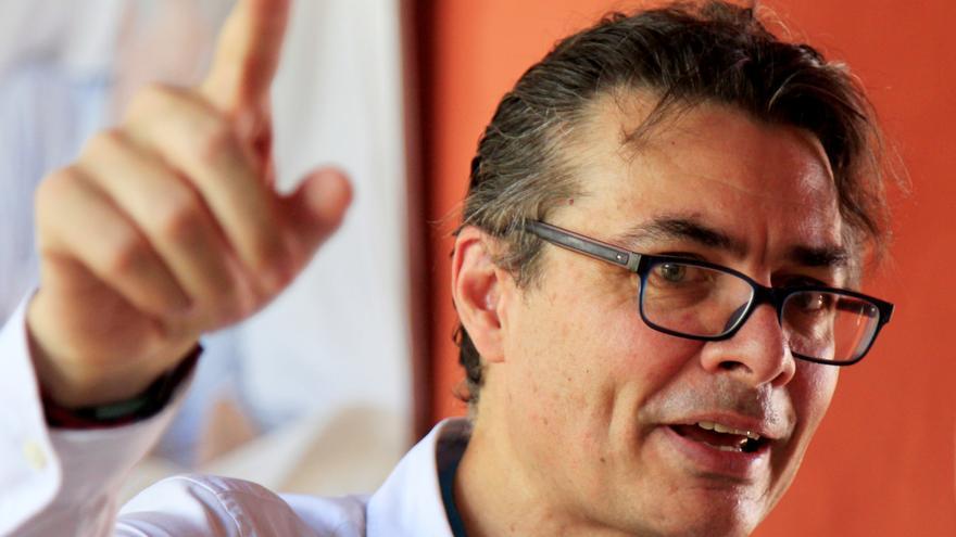 El exministro Alejandro Gaviria agita el tablero electoral de Colombia