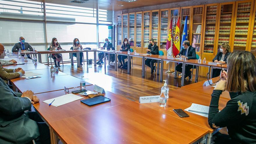 ¿Seguirá cerrada la hostelería o las casas de apuestas?: Castilla-La Mancha abre la puerta a flexibilizar las restricciones COVID esta semana