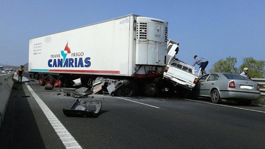 Camión accidentado en la TF1