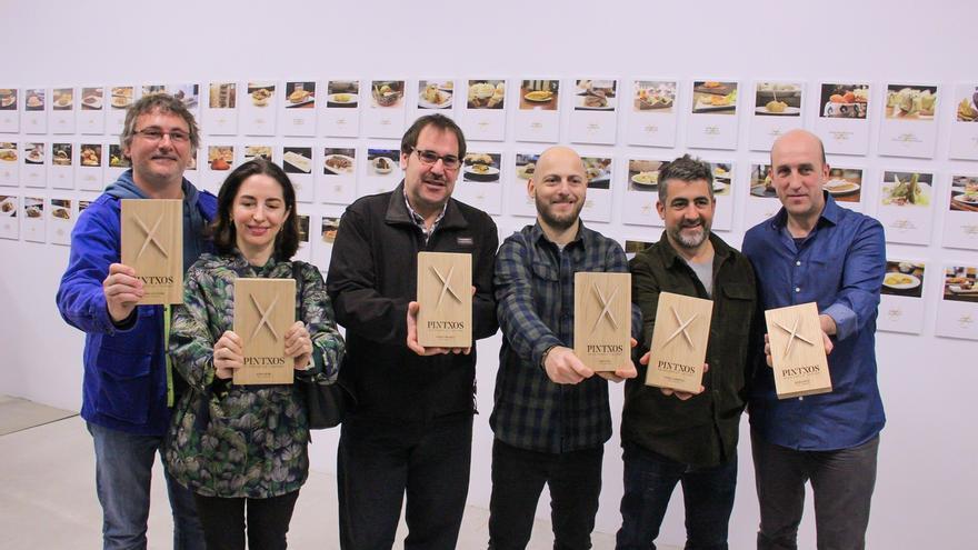 La lista 'Pintxos' reúne los 99 mejores pinchos de San Sebastián, seleccionados por chefs locales con estrellas Michelin