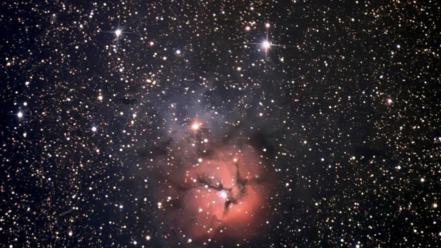 Nebulosa Trifida en la constelación de Sagitario tomada desde Enguídanos (Cuenca)