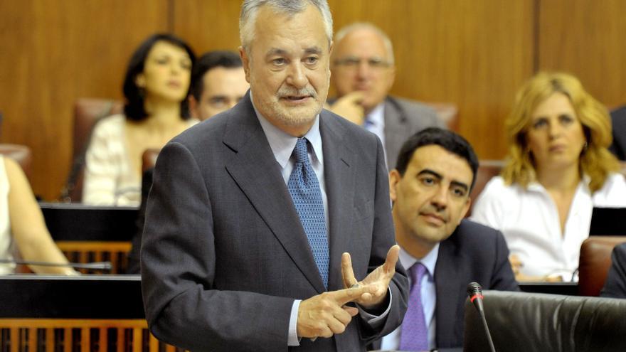 Griñán exige que Andalucía reciba un trato similar al del resto de comunidades en relación al déficit y al endeudamiento
