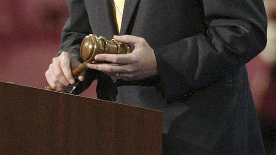 Ministros de Justicia proponen no penalizar por igual a consumidores y narcos