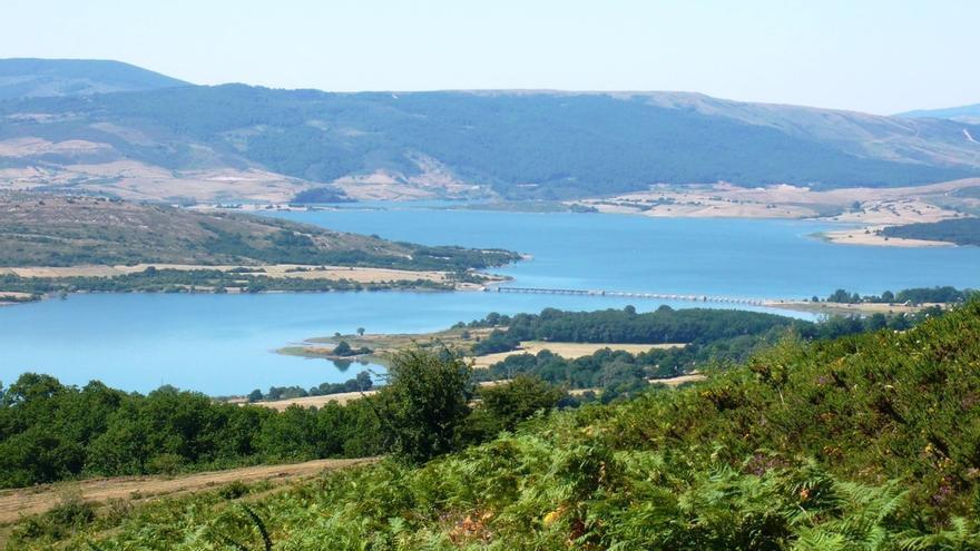 Santander recibe 600.000 m3 de agua del pantano del Ebro desde el 13 de julio