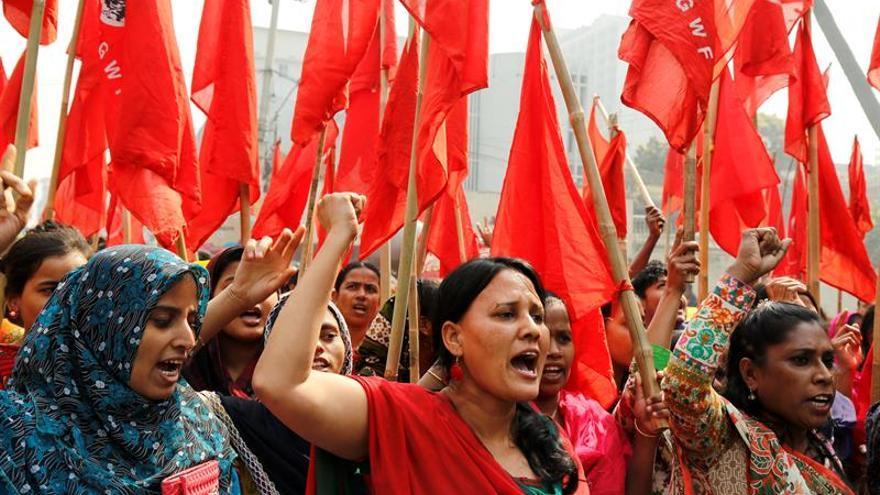 Liberan a los empleados del textil arrestados en Bangladesh y las marcas cesan el boicot