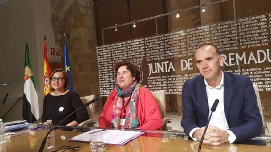 La consejera de Medio Ambiente y Rural, Políticas Agrarias y Territorio, Begoña García Bernal, en rueda de prensa / Junta