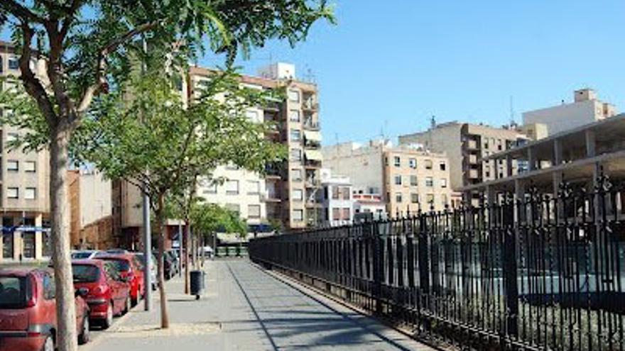 La calle Padre Jofre, enfrente del Hospital Provincial de Castellón, donde se produjo el accidente.