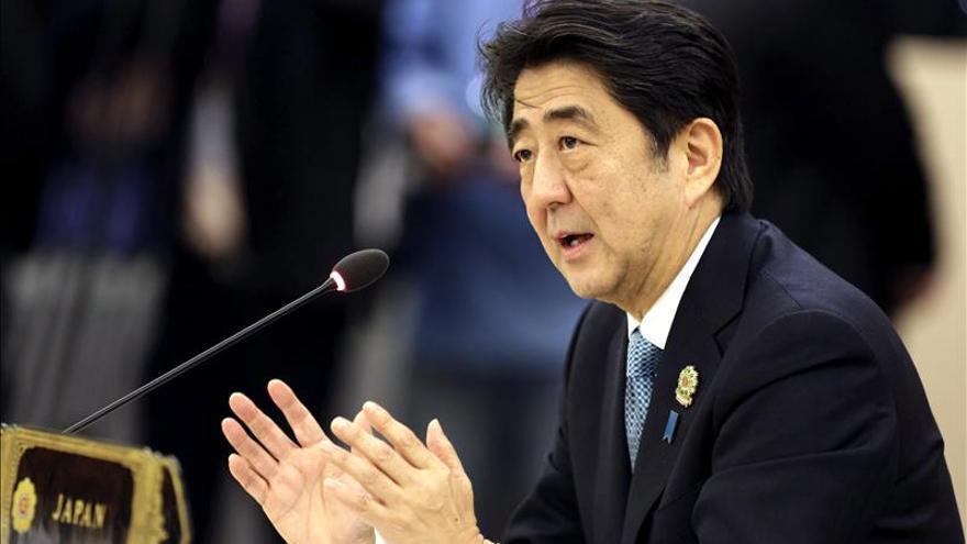 El primer ministro japonés anuncia el adelanto electoral en la mitad de su mandato