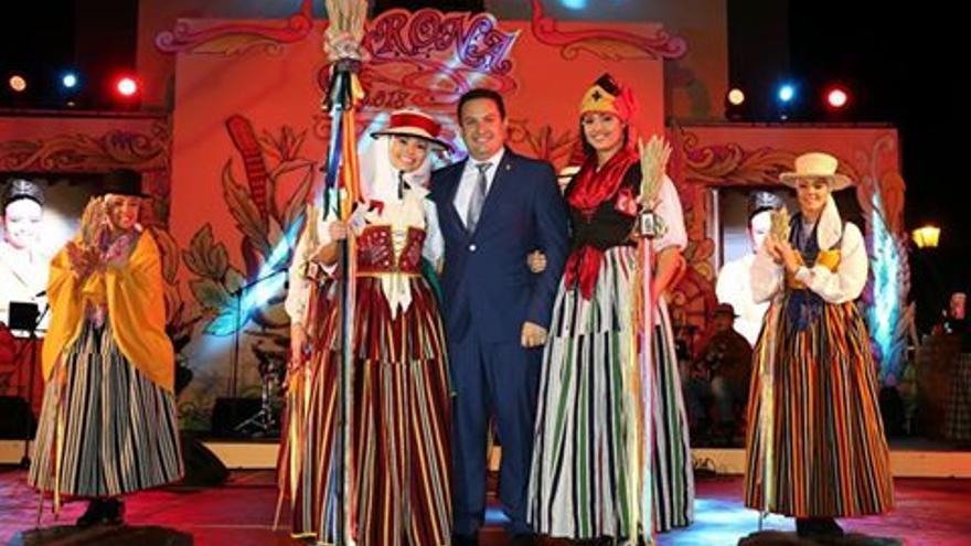 José Julián Mena, alcalde de Arona, en la presentación de la romera mayor de 2018