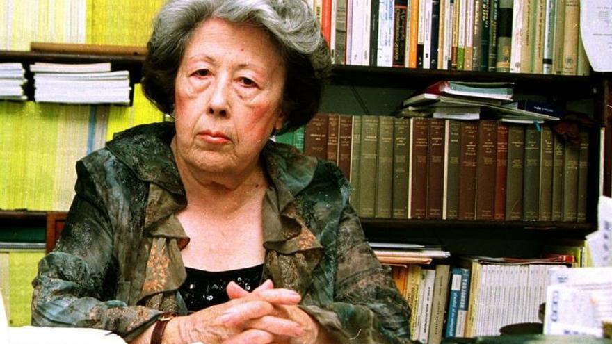 Poeta sevillana Julia Uceda gana XVI Premio de Poesía Federico García Lorca