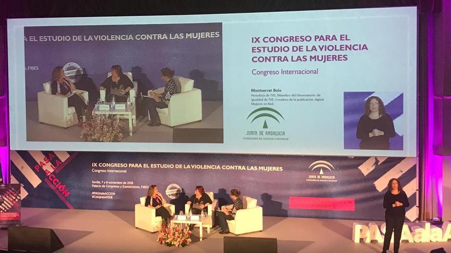 El coloquio entre Montserrat Domínguez y Montserrat Boix, moderada por Lucrecia Hevia