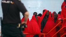 Imagen de archivo de 23 personas rescatadas al sur de Gran Canaria por Salvamento Marítimo.