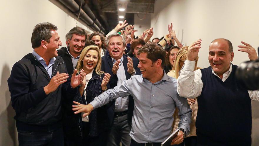 Alberto Fernández y su equipo de Frente de Todos.