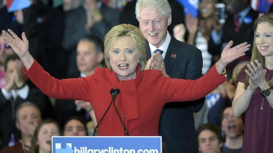 El matrimonio Clinton en una imagen de archivo