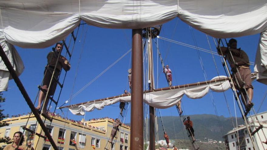 Escenificación teatral del 'Diálogo entre el Castillo y la Nave' de las fiestas lustrales.