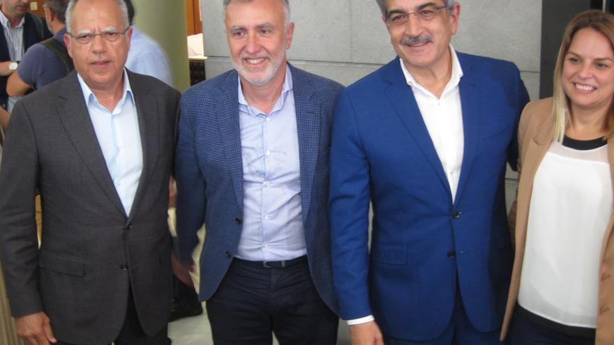 Curbelo, Torres, Rodríguez y Santana, tras anunciar el pacto en Canarias