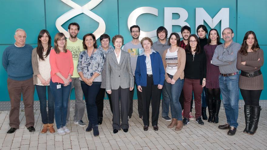 El último equipo de investigación que ha dirigido Margarita Salas en el Centro de Biología Molecular Severo Ochoa, de donde era profesora doctora honoraria. Han continuado con el estudio de la replicación del DNA de ø29.