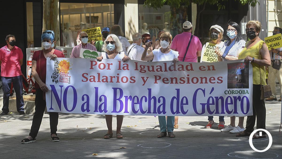 Protesta de pensionistas en el templete de Gran Capitán