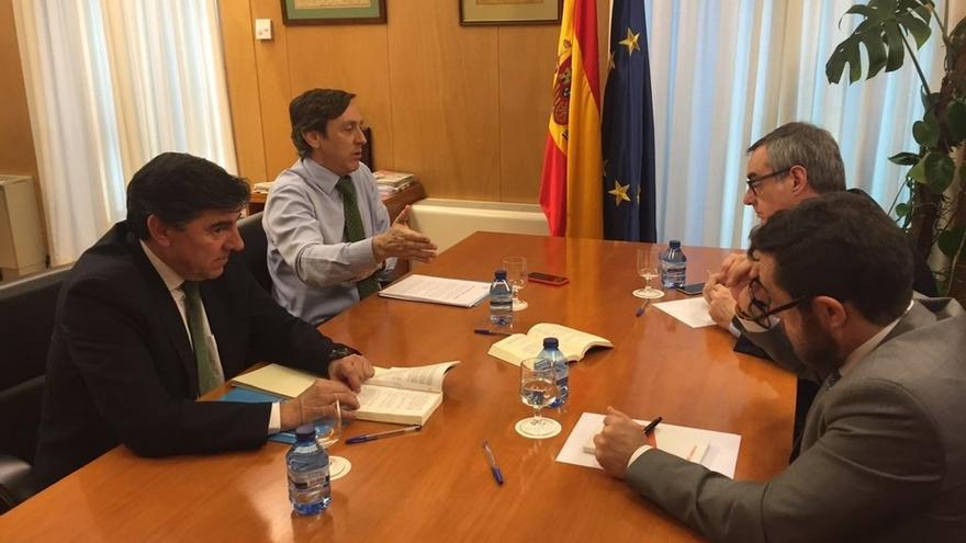 El PP y Ciudadanos se emplazan a negociar a partir del 5 de marzo, tras la segunda votación de investidura de Sánchez