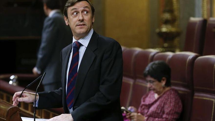 """El PP ve """"muy decoroso"""" que Rajoy hable de corrupción tras el auto sobre Mato"""