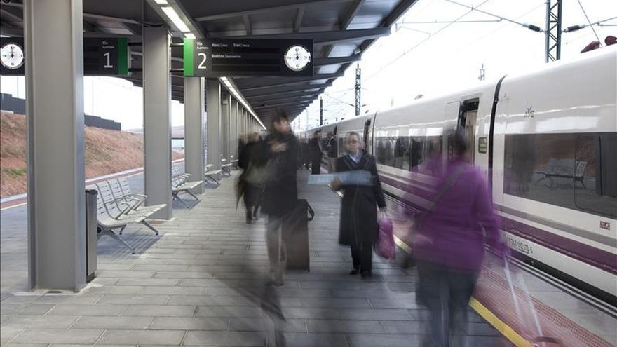 La ocupación media de la línea del AVE León-Madrid alcanza el 80% en su primer día