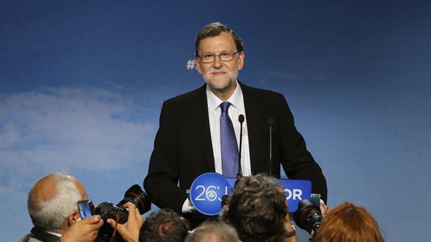 Rajoy inicia con Coalición Canaria las reuniones en busca de su investidura