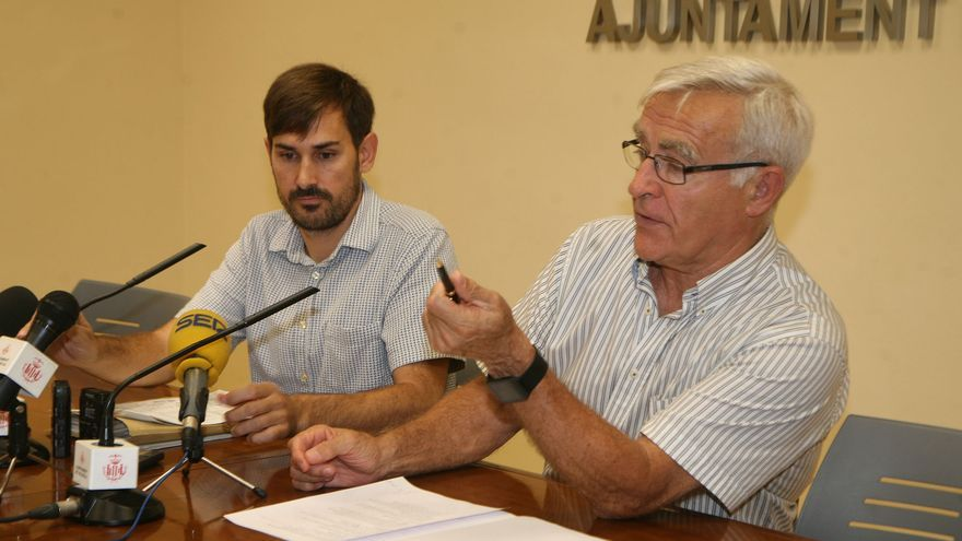 El alcalde de València, Joan Ribó (derecha), y el concejal Sergi Campillo