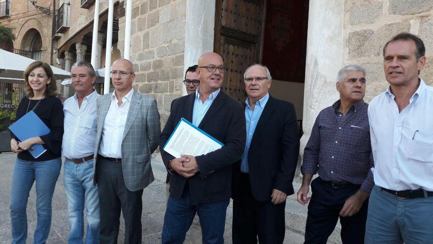 Alcaldes del PP en el Palacio de Fuensalida