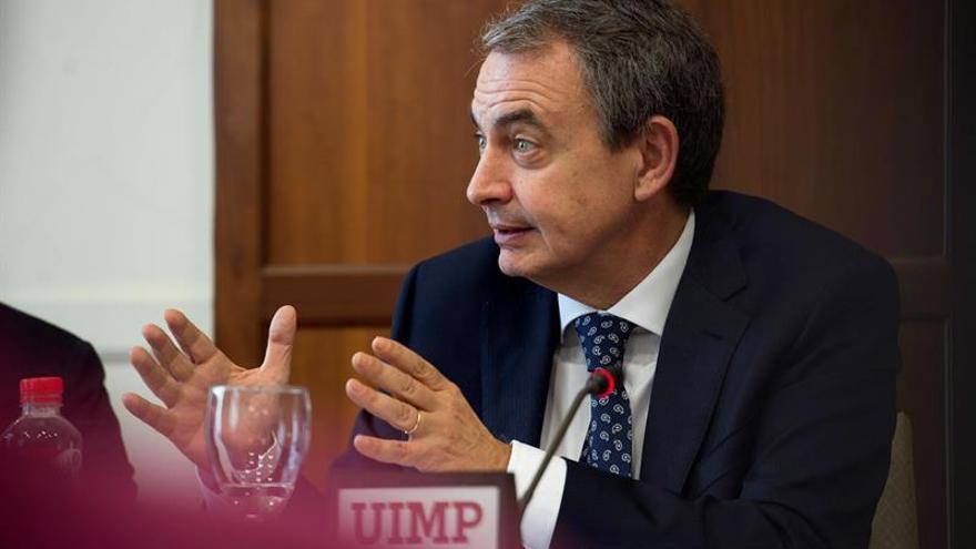 Zapatero desvela que habló por teléfono con Junqueras antes de juicio del 1-O