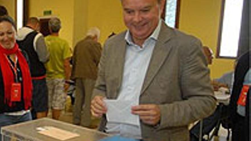Sebastián Franquis, votando.