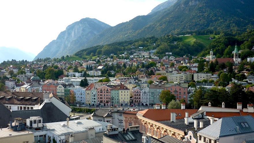 Casco histórico de Innsbruck y parte del valle del Eno desde la Torre de la Ciudad. Cliffano Subagio