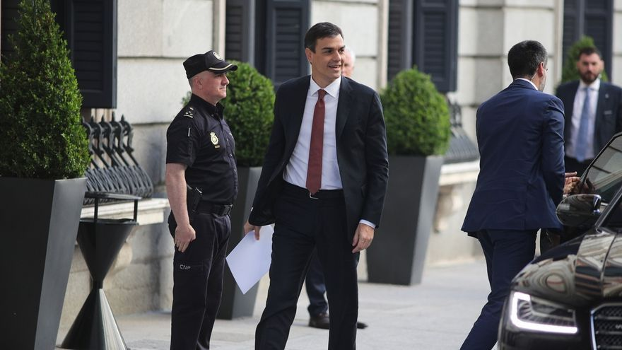 Pedro Sánchez acudirá el domingo a la minicumbre sobre inmigración en Bruselas convocada por Juncker